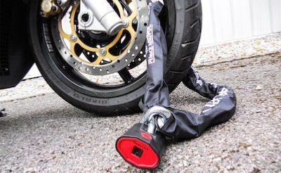 Cha/îne Antivol V/élo /à Code,Bluestercool Cadenas /à V/élo,Cha/înes Antivol Moto Serrure /à Combinaison de 4 Chiffres pour Bicyclette Moto,Scooter Cyclisme,Portes Portail Cl/ôture Verrouillage /à V/é