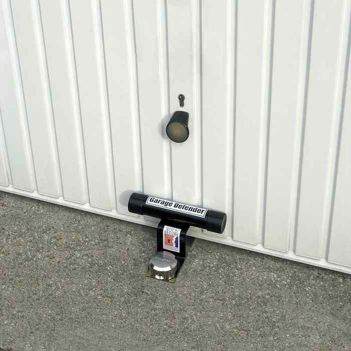 Garage defender master lock antivol portes de garages - Verrouillage porte de garage basculante ...